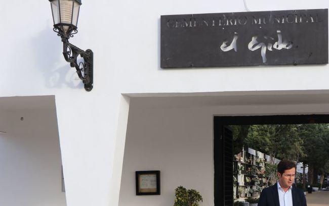 El Ayuntamiento de El Ejido compra terrenos para ampliar el cementerio