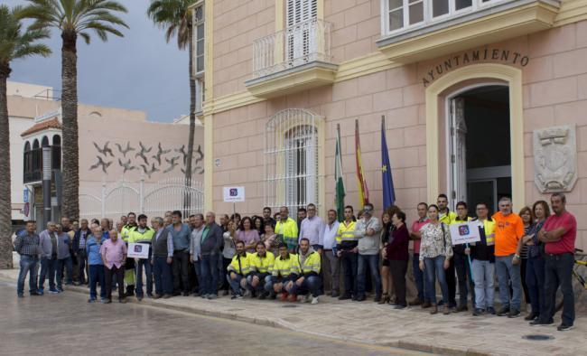 Concentración en Carboneras contra el cierre de la planta del CEMEX en Gádor