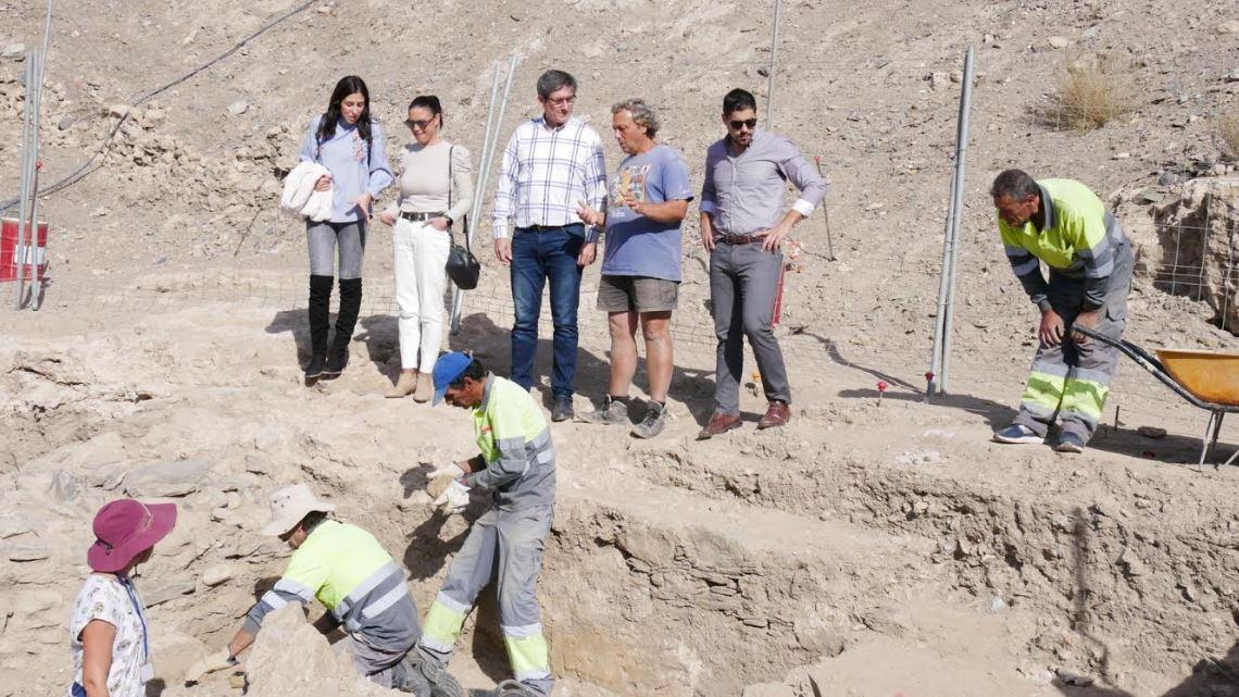 Las excavaciones en el Cerro de Montecristo descubren piletas de salazones y un horno - Noticias de Almería