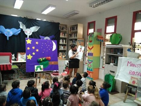 Las Bibliotecas Municipales De Vícar Viven El Auge De Los Clubes De Lectura