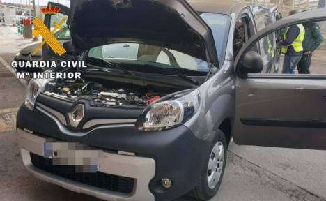 Dos detenidos en el puerto con vehículos sustraídos en Francia