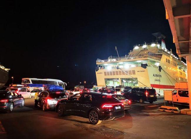 Aumenta un 182% el transporte de automóviles en el puerto de Almería hasta octubre ·