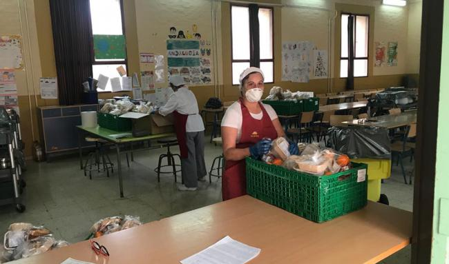 La Junta mantiene las tres comidas de 1.914 niños almerienses en riesgo de exclusión social