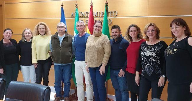 Comerciantes de El Ejido acuerdan con el Ayuntamiento sus actividades