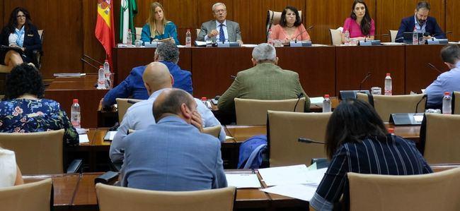 Vox rechaza que la Junta done material informático aunque sea inservible en España