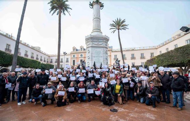 Cadena ciudadana con las 117 alegaciones rechazadas a la reforma de la Plaza Vieja