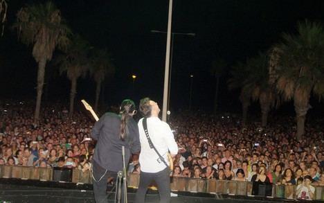 Café Quijano reúne a 12.000 personas en Playa Serena II bajo la luz de la luna