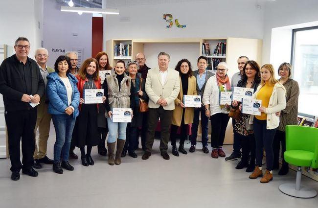 Cruz entrega en la Biblioteca Central los premios del concurso de Belenes