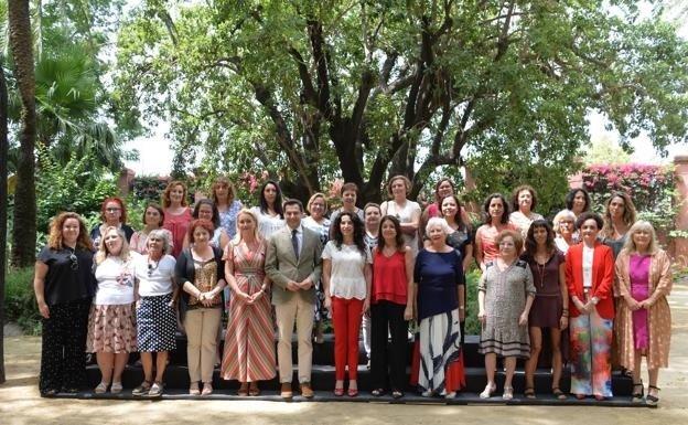 Mujeres De Vícar Votan A Sus Representantes En su Consejo Andaluz