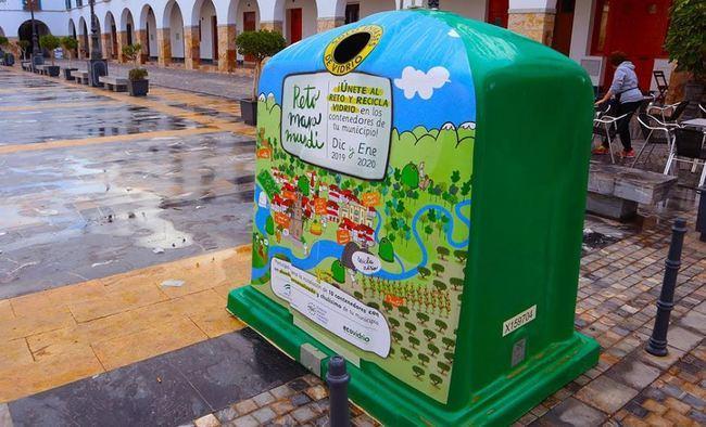 Berja se une al reto de aumentar el reciclado de vidrio
