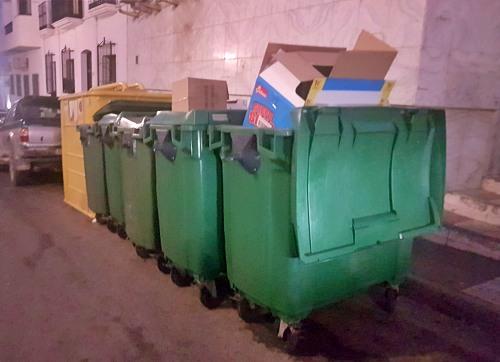 La basura se acumula en Dalías