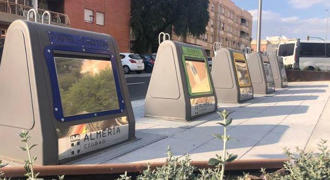Los contenedores soterradosde la calle Santiago entran en uso el lunes