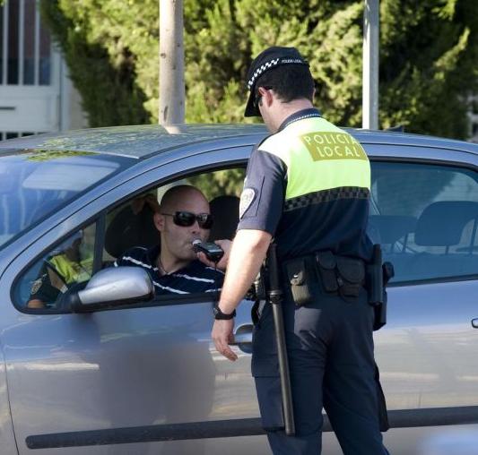 Ningún positivo entre los conductores sometidos a controles por la Policía Local de Vícar