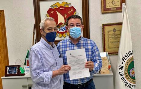 El Ayuntamiento de Dalías y el Casino firman el primer convenio de colaboración