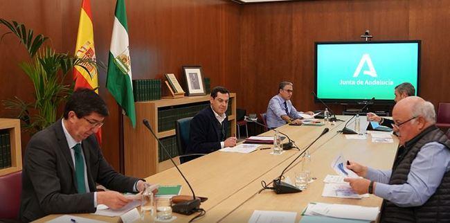 La Junta compra 5 M de mascarillas y el Gobierno central anuncia el reparto de 1,5 M en todo el Estado