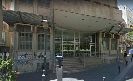 El edificio de Correos será vendido