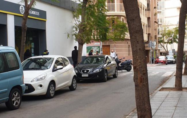 El Decreto #COVID19 no autoriza acudir a Correos pero en Almería hay colas