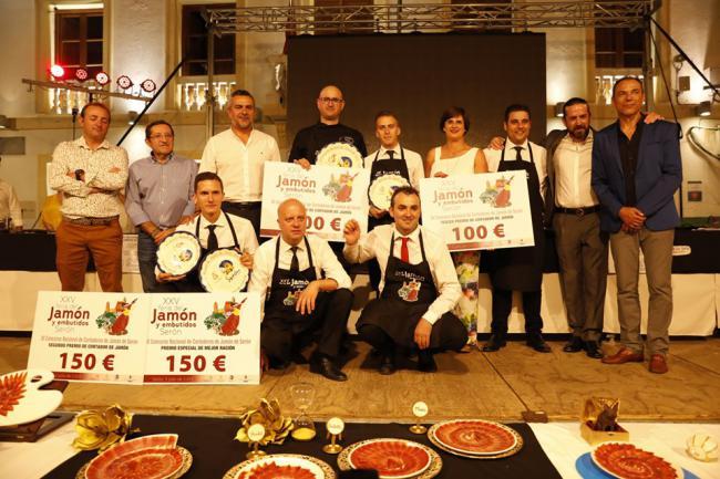 El cordobés Antonio Escribano gana la XI edición del Concurso de Cortadores en Serón