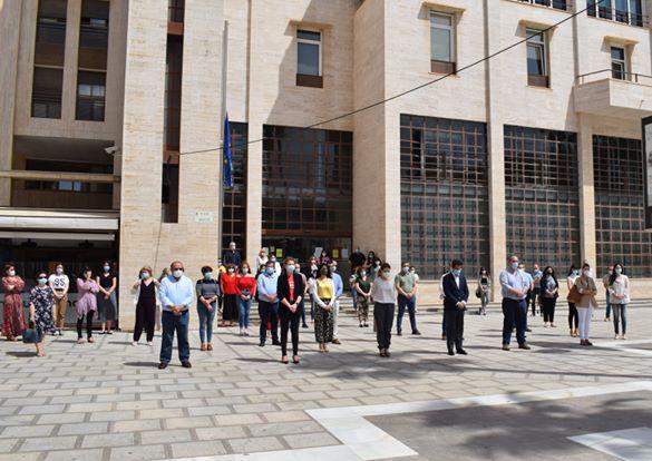 El Ejido se suma al minuto de silencio por las víctimas del #COVID19