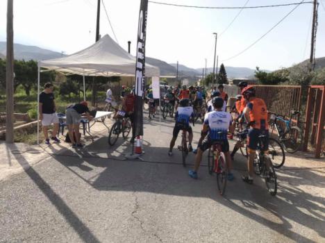 Sesenta ciclistas se dan cita en una nueva edición de la Cronoquedada a Hirmes