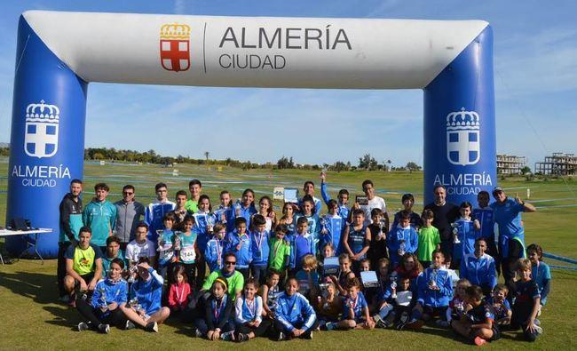 300 niños y jóvenes participan en el XX Cross Ciudad de Almería