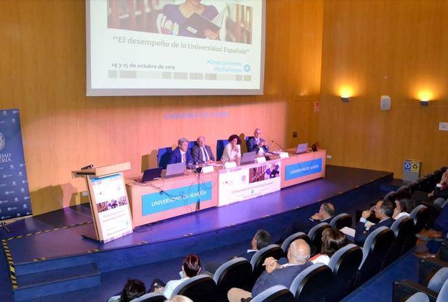 Crue dedica a la internacionalización el final de sus jornadas de 25 aniversario en la UAL