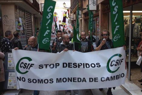 Trabajadores de una concesionaria reclaman la intervención del Ayuntamiento por ocho despidos
