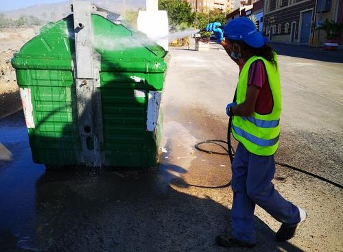 El Ayuntamiento de Vícar intensifica la desinfección