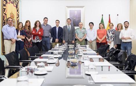 El alcalde agradece al general jefe de la Brigada de la Legión su colaboración con el Ayuntamiento