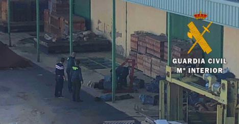 Cuatro detenidos mientras robaban 50 motores de una fábrica en Sorbas