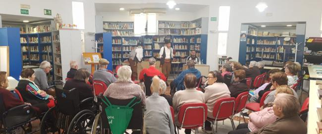 Vícar Celebra El Día De La Poesía Con Los Mayores