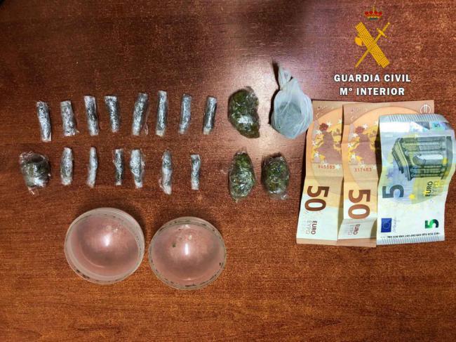 La Guardia Civil detiene a una persona que ocultaba droga en una bola de juguete