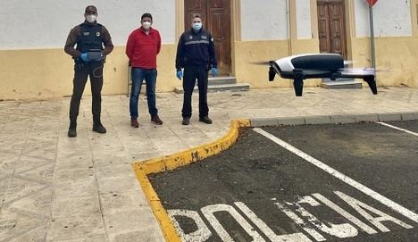 Dalías usará un dron para vigilar el confinamiento en zonas rurales y azoteas