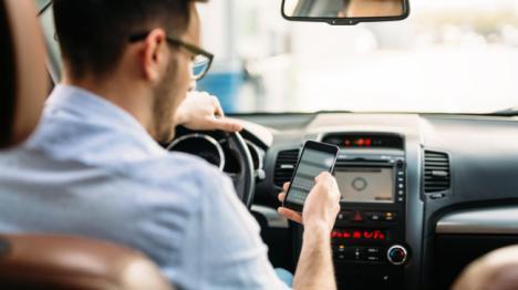 El Ayuntamiento De Vícar Se Adhiere A La Campaña Sobre Distracciones Al Volante