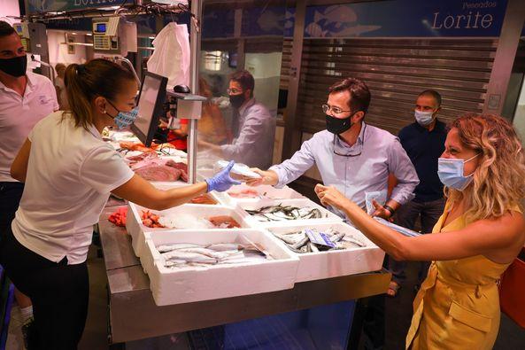 El Ayuntamiento de El Ejido reparte 40.000 mascarillas higiénicas