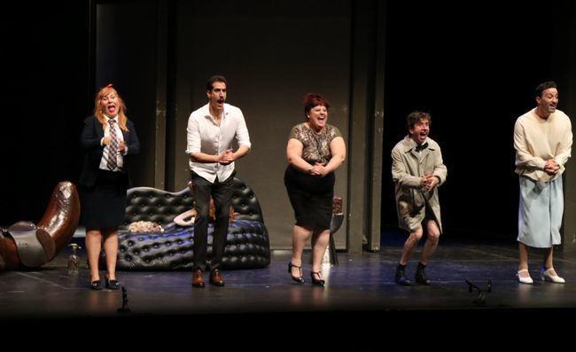 Risas y buen humor con Tete Delgado y Gabino Diego en 'El Intercambio' en el Festival de Teatro de El Ejido