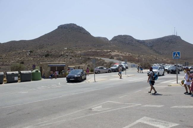 En funcionamiento el Aparcamiento de la Playa de los Muertos