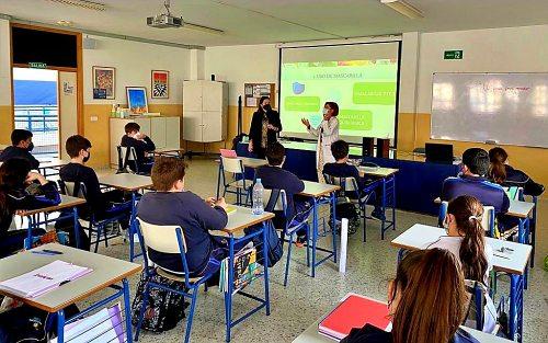 Termina el curso escolar para 25 enfermeras de colegios de Poniente