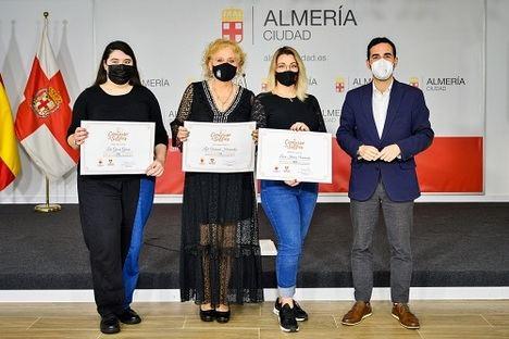 Lucía Ibáñez gana el 'Concurso de Selfies de Semana Santa'