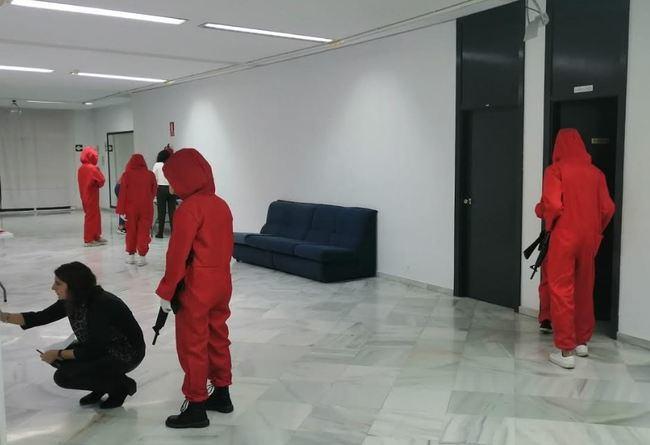 120 abderitanos disfrutan de un 'Escape Room' basado en 'La Casa de Papel'