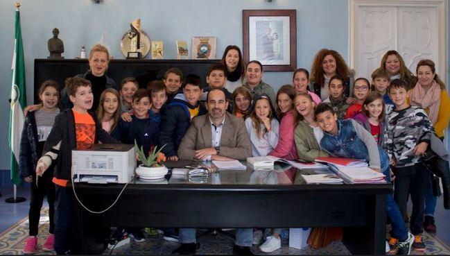 El Ayuntamiento de Carboneras abre sus puertas a los escolares por el 6D