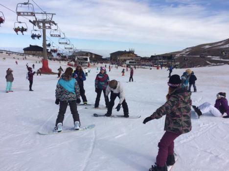 Los jóvenes de Vícar se van a la nieve