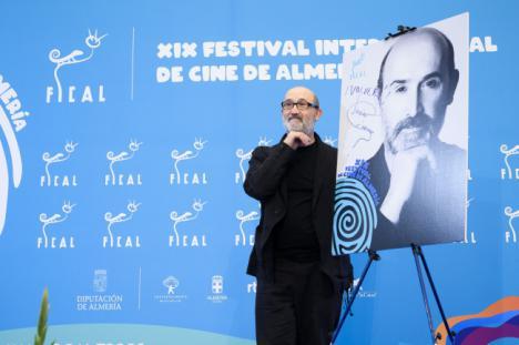 El premio 'Almería, Tierra de Cine' a Javier Cámara, broche de oro a una edición titánica de FICAL