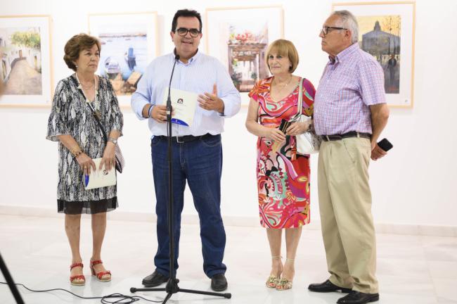 La Agrupación Almeriense de Acuarelistas llena de 'Color, agua y papel' la Galería Alfareros