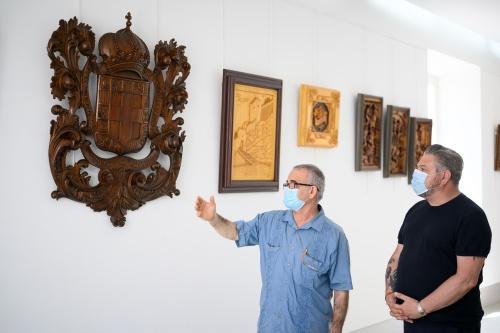 Gabriel Torres expone sus tallas de madera en el CIP