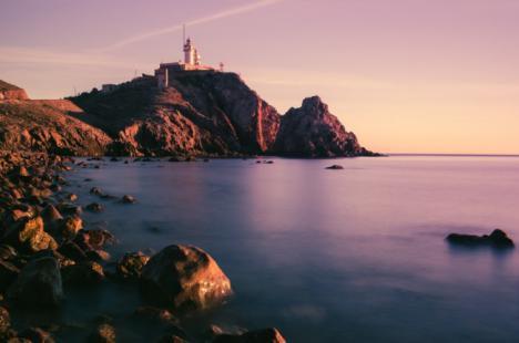 Guías de viaje y reserva de alojamiento: organiza tus vacaciones por España