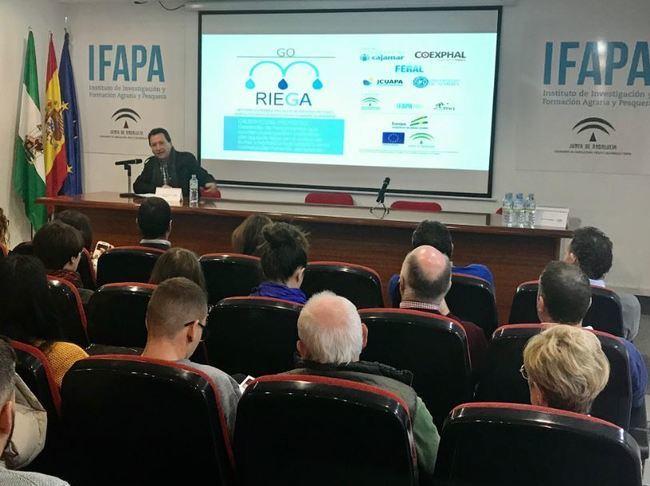 El presidente de FERAL analiza la gestión hídrica en cultivos de invernadero