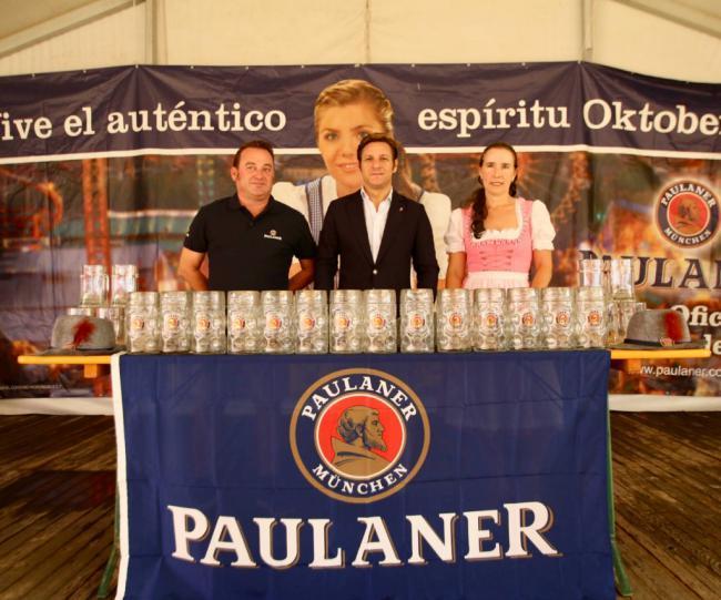 Gastronomía tradicional alemana en el Oktoberfest de Roquetas de Mar