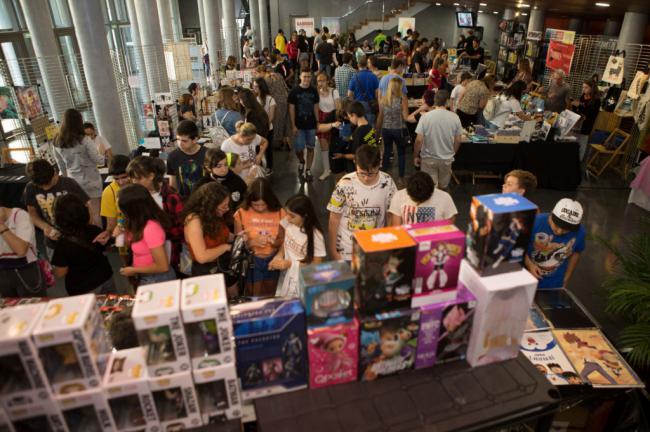 Superhéroes, personajes de ficción y de videojuegos 'invaden' el Auditorio de El Ejido