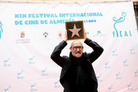 Javier Cámara ya tiene su estrella por 'Vivir es fácil con los ojos cerrados'